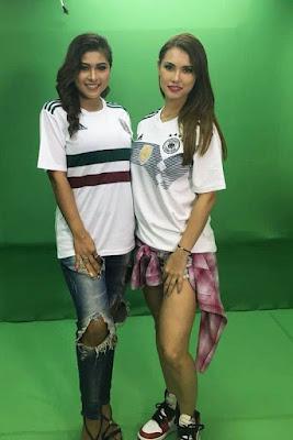 Barbie Nouva dan MAria Ozawa cewek Seksi pakai Jersey Bola