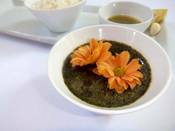 mloukhieh soup with chicken