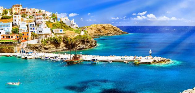 جزيرة سانتوريني الأكثر جمالا في اليونان