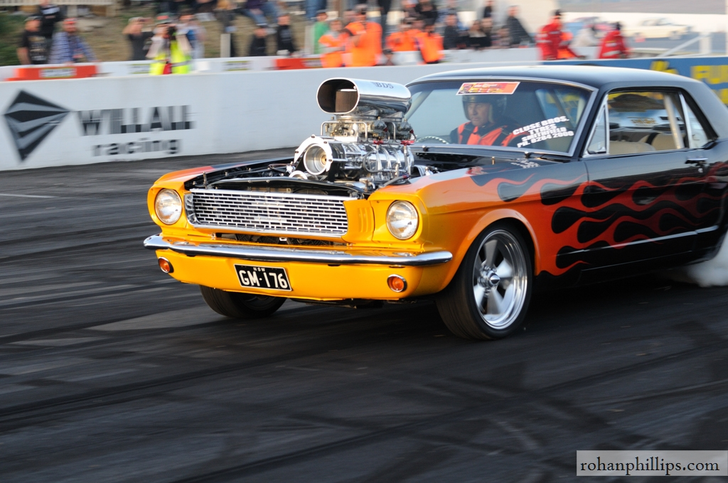 VWVortex com - 1966 supercharged V8 Mustang burnout photos