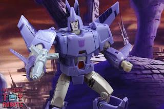 Transformers Kingdom Cyclonus 23