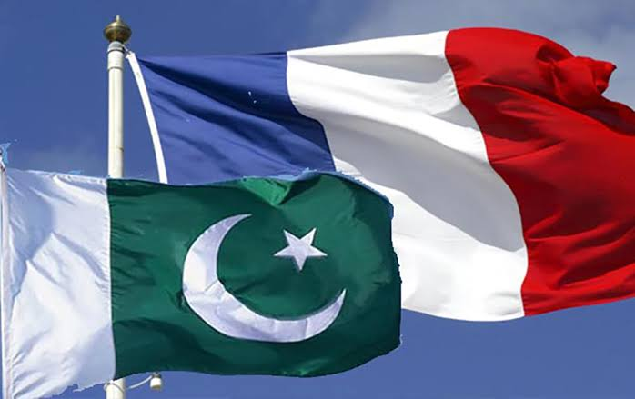 Parlemen Pakistan Mendesak Pemerintah Untuk Menarik Kedutaannya dari Prancis