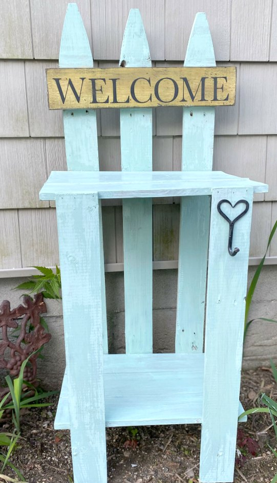 Easy DIY Picket FenceTable for the garden