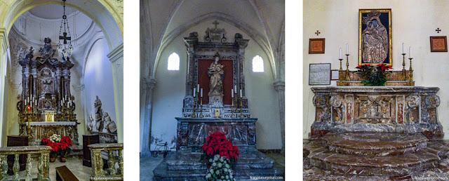 Altares em mármore na Catedral de Taormina