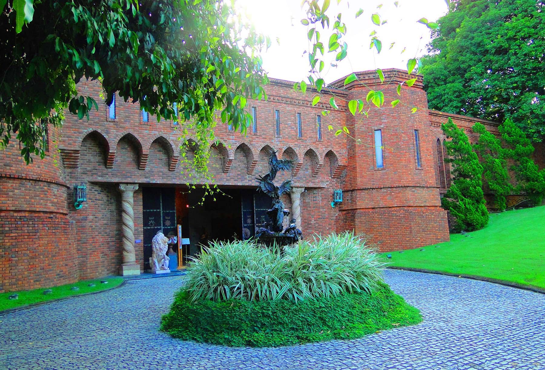Pinacoteca do Instituto Ricardo Brennand em Recife