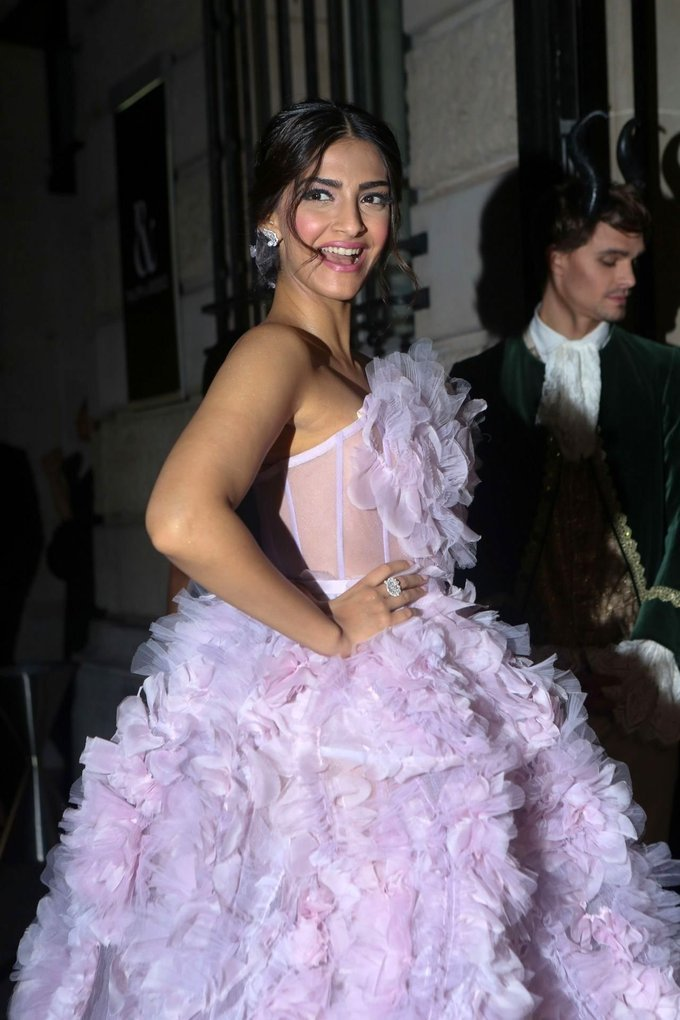 Sonam Kapoor In Violet Gown At Ralph Russo Fashion Show Paris