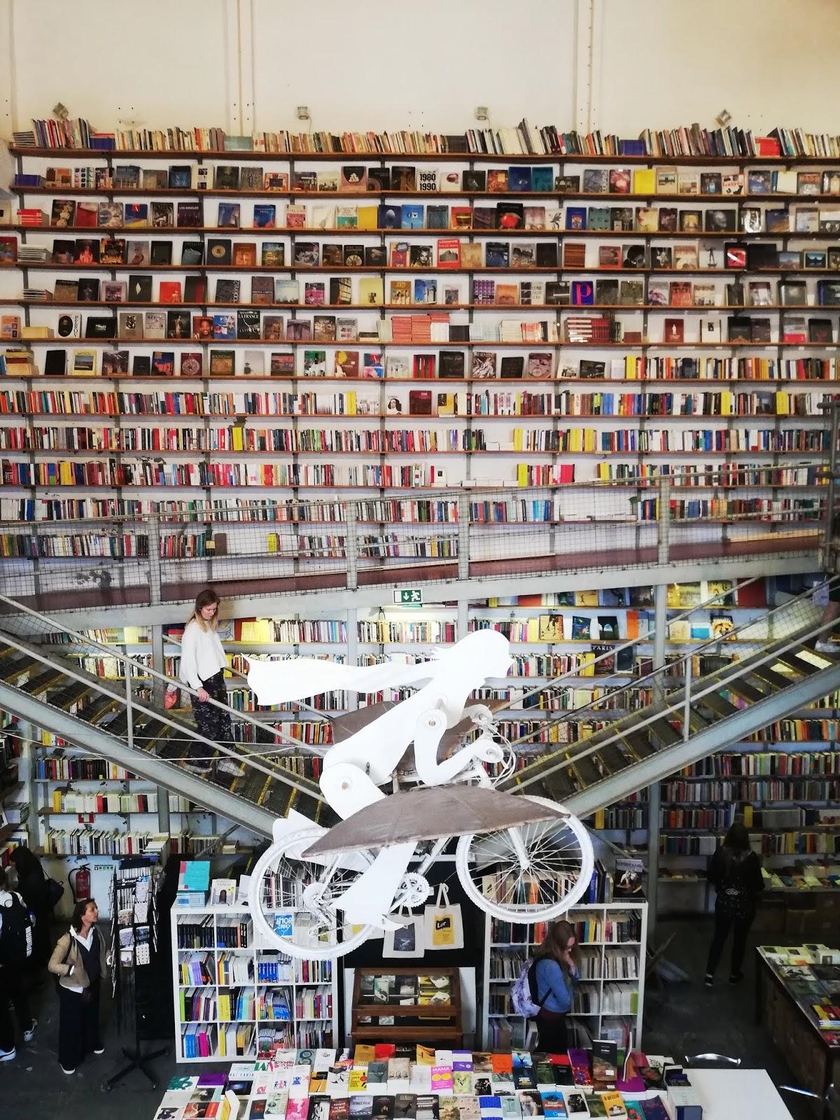 Bibliothèque LX Factory