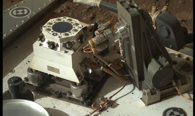 Sonda Perseverance se prepara para começar a coleta de material do solo em Marte
