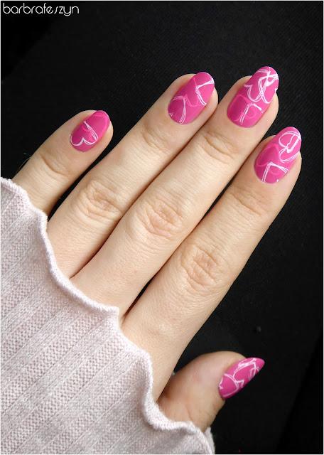 walentynki na paznokciach