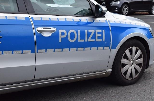 Autobahn A8 - Bundespolizei vollstreckt Haftbefehl gegen mazedonischen Staatsbürger