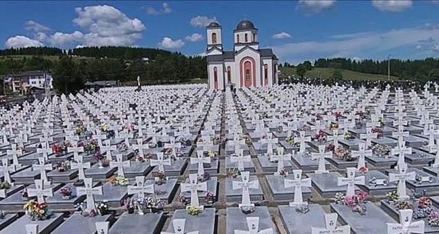 На Сокоцу и на Равној Романији јуче је обележено 25 година од егзодуса око 120.000 сарајевских Срба.  #Годишњица #Егзодус #Сарајево #Срби #Косово #Метохија #КМновине #Вести #Kosovo #Metohija #KMnovine #vesti #RTS #Kosovoonline #TANJUG #TVMost #RTVKIM #KancelarijazaKiM #Kossev