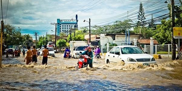 Gunakan 7 Cara Ini Agar Motor Tidak Mogok Saat Banjir