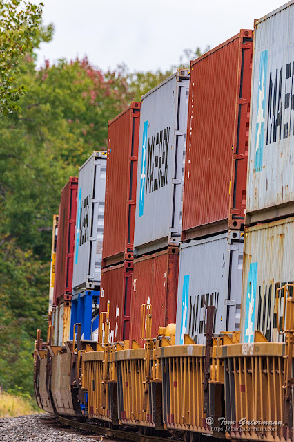 Double-stack containers on CSX train Q169-29
