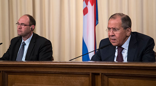 Lavrov says foreign factors endangered Macedonia's statehood