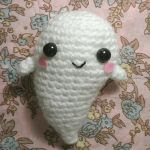 https://translate.google.es/translate?hl=es&sl=en&u=http://nvkatherine.deviantart.com/art/Kawaii-Ghost-amigurumi-free-pattern-407949430&prev=search