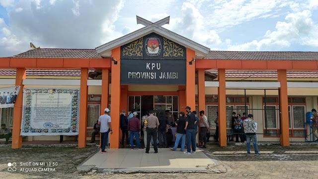KPU Jambi Didemo, Ormas Tuntut Pecat Komisioner Tidak Netral
