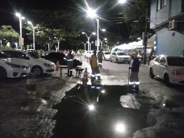 Depois do alagamento prefeitura desobstrui sarjetas da Rua do Meio