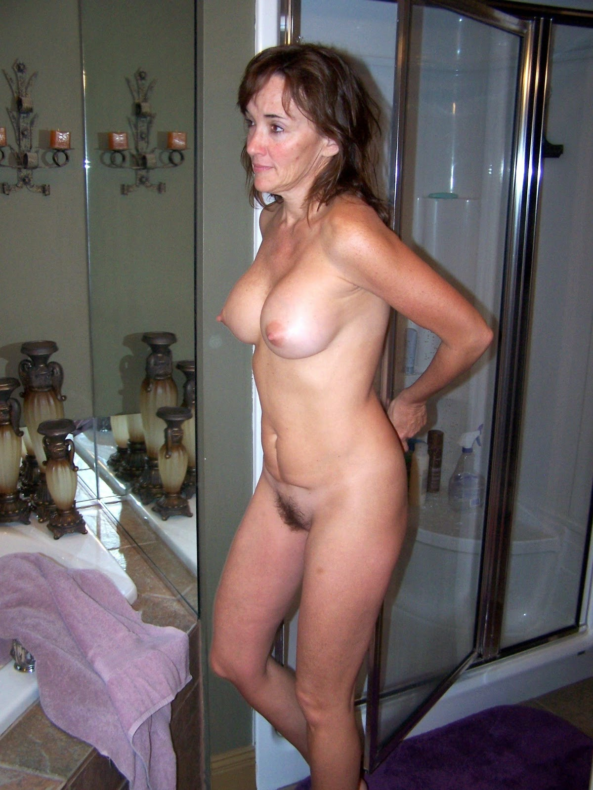 Mature Naked Babe Gallery