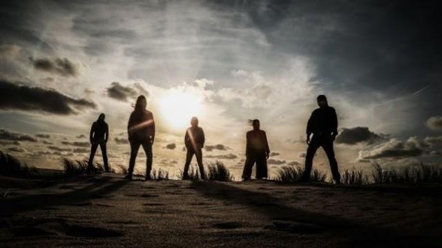 Dark Fortress divulgam terceiro single do novo trabalho
