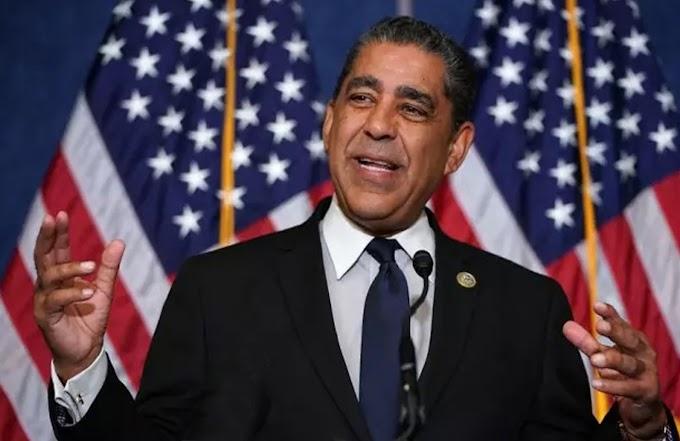 Espaillat pide restablecer la Ley Contra Violencia Doméstica a Mujeres y acusa a los republicanos por engavetarla