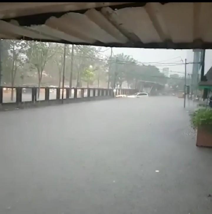 Surabaya Banjir, Begini Cara Netizen Lontarkan Sindiran Maut