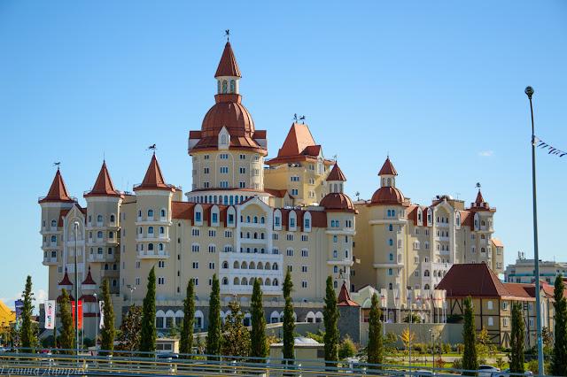Дворец в Сочи-парке