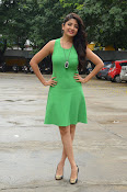 Poonam Kaur latest sizzling photos-thumbnail-9