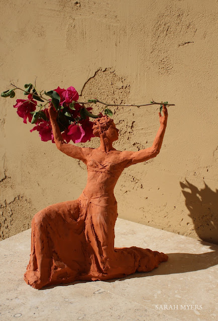 sculpture, terracotta, kneeling, woman, sarah, myers, red, clay, dance, figure, arte, escultura, figurative, classic, human, lady, poise, earthenware, orange, flowers, shadow, light, branch