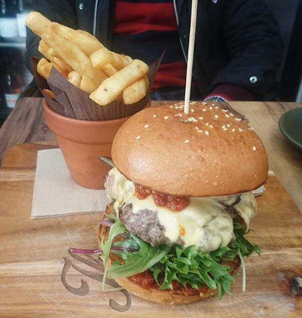 The Scented Garden Cafe, Croydon, beef burger