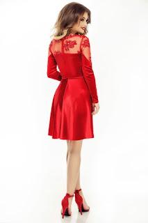 unde-poti-purta-rochii-de-seara-rosii-3