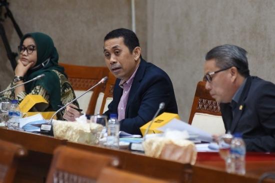 Hati-hati, Utang Luar Negeri Indonesia Sudah <i>Over Borrowing</i>