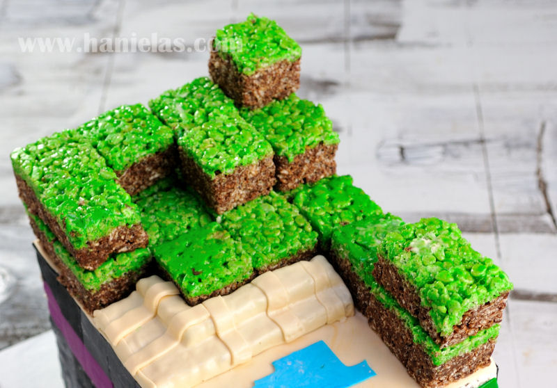 Haniela's: Minecraft Dirt Blocks Rice Krispies on