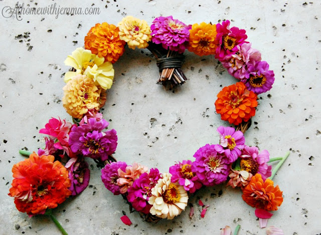 garden-zinnia-wreath-diy-jemma