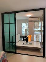 รับติดตั้งกระจกอลูมิเนียม At.aluglass