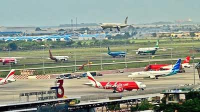 Pesawat berada di Bandara Soekarno-Hatta, Tangerang, Banten