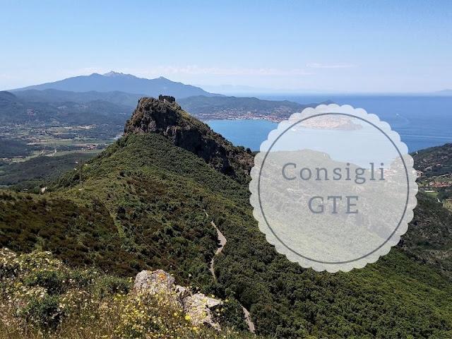 Dove dormire e cosa mettere nello zaino per la GTE: panorama su Portoferraio