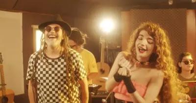 """Quique Neira y Karla Grunewaldt colaboran en versión reggae de """"Quiero Paz"""""""