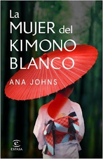 mujer-kimono-blanco-ana-johns