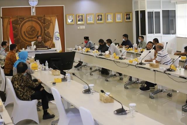 Menteri Trenggono Jamin Nelayan Sejahtera dengan Program PNBP Pasca Produksi