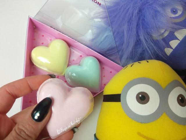 https://www.notino.es/i-heart-revolution/i-heart-revolution-fizzer-kit-pastel-heart-pastillas-efervescentes-con-color-para-el-bano/