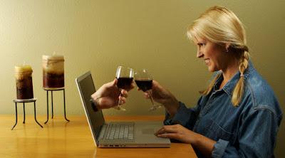 5 مشاكل تواجهك في أول تعارف عاطفي على الانترنت المواعدة الاليكترونية فيسبوك online dating meeting people internet love