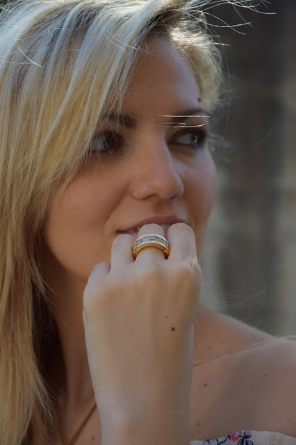 anello prima classe mariafelicia magno fashion blogger colorblock by felym fashion blog italiani fashion blogger italiane ragazze bionde blondie blonde girls