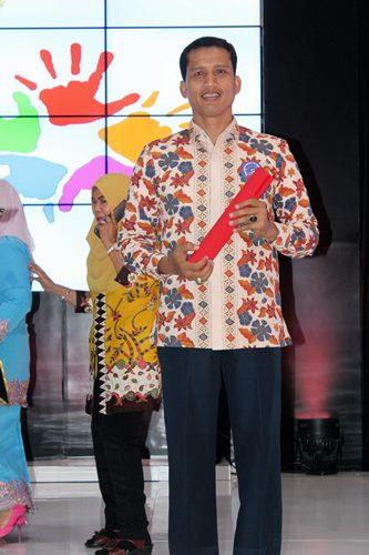Kecamatan Enam Lingkung Terima Anugerah PAUD Tingkat Nasional Tahun 2017