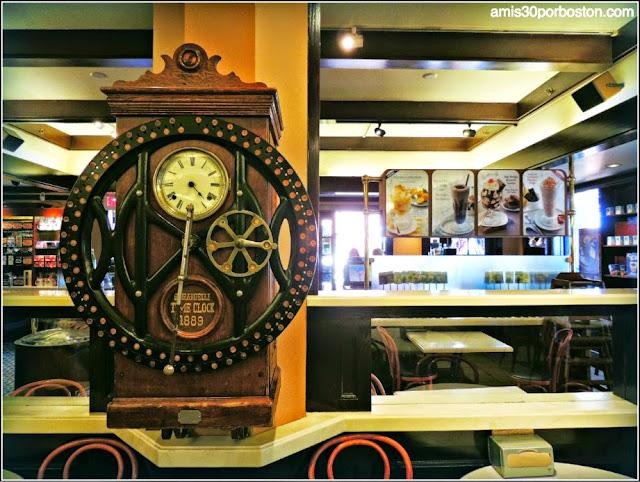 Cafetería del Clock Tower Building en la Plaza de Ghirardelli en San Francisco