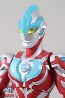 S.H. Figuarts Ultraman Ginga 01