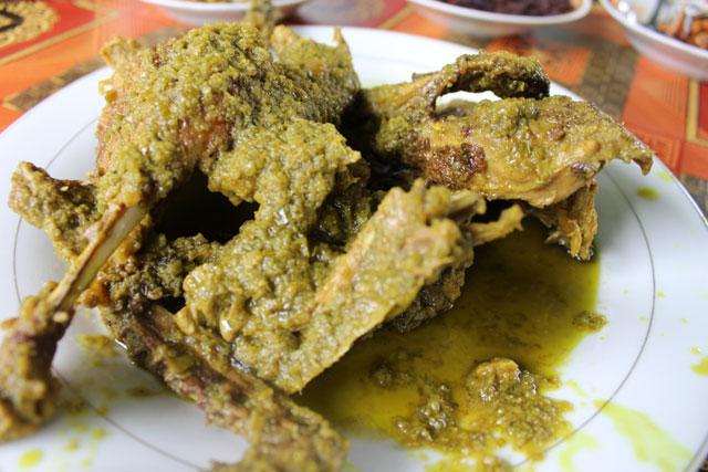 Rumah Makan Sianok Kuliner Spesial Itiak Lado Mudo