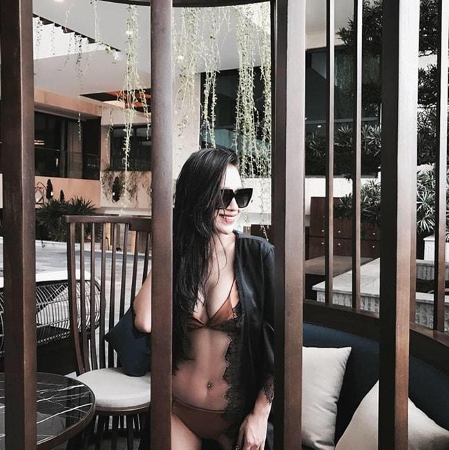 DJ Tít khoe thân hình sexy đến nghẹt thở đầu hè - Ảnh 8