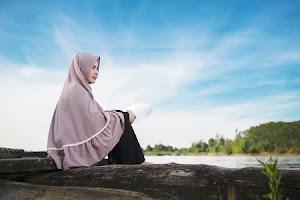 SEKILAS TENTANG JENIS - JENIS BUSANA MUSLIMAH