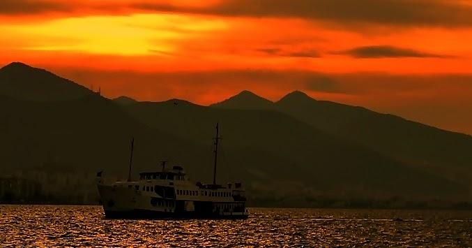 Türkçe Edebiyat Sessiz Gemi şiirinin Hikâyesi