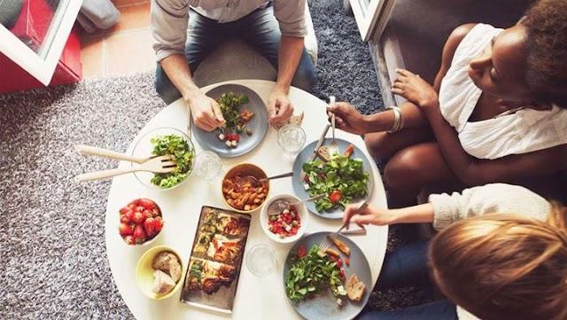 Πώς να μάθετε να τρώτε αργά και σωστά